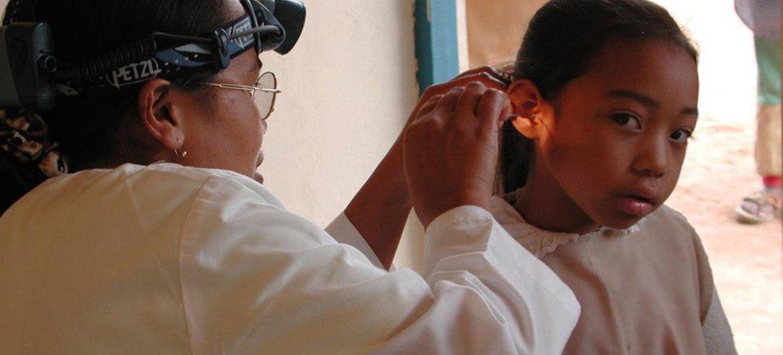 世卫组织呼吁各国加强听力护理