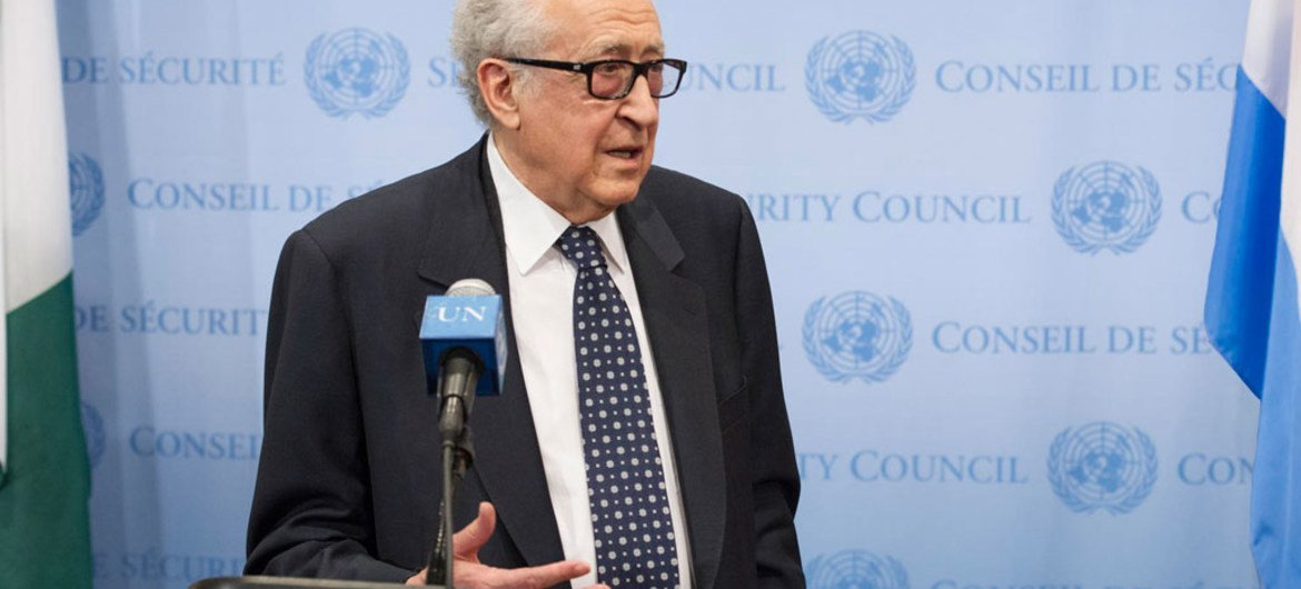 Lakhdar Brahimi, Joint Special Representative of the UN and the League of Arab States for Syria, briefs reporters.