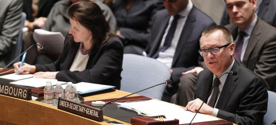 Under-Secretary-General for Political Affairs Jeffrey Feltman briefs the Security Council. At left is Council President Sylvie Lucas of Luxembourg.