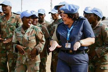女性维和警察 在苏丹达尔富尔。联合国图片/Olivier