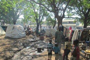 Les affrontements intercommunautaires en République centrafricaine ont entraîné le déplacement de dizaines de milliers de gens. Photo OCHA/D. Schreiber