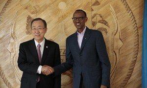 Secretary-General Ban Ki-moon with President Paul Kagame in the Rwandan capital, Kigali, on 6 April 2014.
