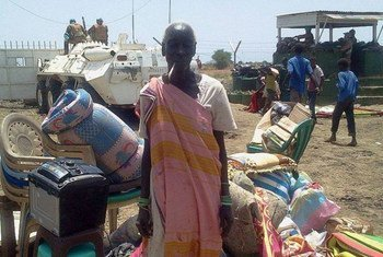 People fleeing violence in Bentiu, the capital of Unity state, South Sudan, arriving at UNMISS base on 15 April 2014 to seek shelter.