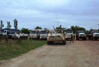 UNMISS Mongolian battalion evacuating civilians on 16 April from Bentiu, Unity State, after conflict broke out between government and oppostion forces.