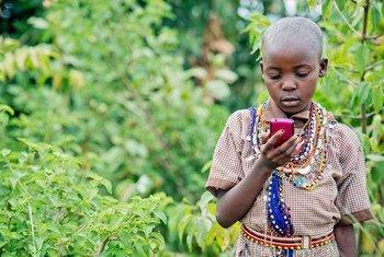 O mundo tem atualmente mais de 5 bilhões de assinaturas de telefones celulares.