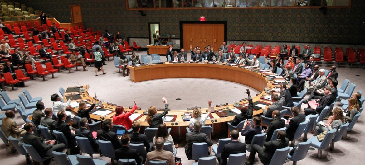 The Security Council votes to extend the operation of the UN Mission in South Sudan (UNMISS) until 30 November 2014.