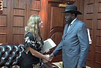 La Représentante spéciale du Secrétaire général pour le Soudan du Sud, Hilde F. Johnson, rencontre le Président Salva Kiir. Capture vidéo UNIFEED