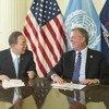 Secretary-General Ban Ki-moon (left) meets with Bill de Blasio, Mayor of New York City, at City Hall.