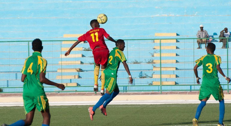 Футболисты в Могадишо, Сомали Фото ООН/Дэйвид Мутуа