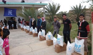 Since the onset of the Anbar crisis, IOM and WFP have strategically collaborated to distribute life-saving food items to IDPs fleeing violence throughout the central region of Iraq.