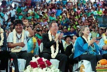 Secretary-General Ban Ki-moon with President Evo Morales in El Torno Municipality, Bolivia.
