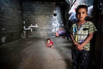 Deux enfants ayant fui les violences en Iraq (photo archives). Photo ONU/Bikem Ekberzade