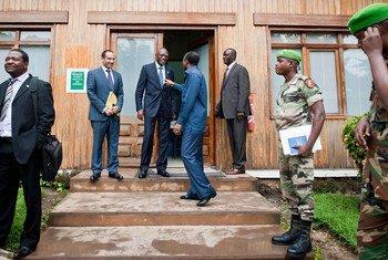 Le Représentant spécial en République centrafricaine et chef de la MINUSCA, Babacar Gaye, lors d'une réunion à Bangui.