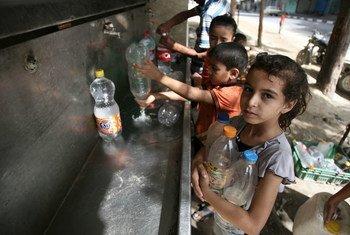 Niños palestinos en el sur de Gaza.  Foto archivo:UNICEF/NYHQ2014-0908/El Baba