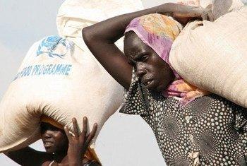 Distribución de asistencia humanitaria en el Sahel. Foto: Stephen Graham/IRIN