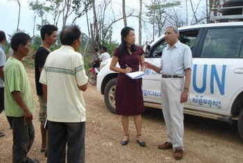 UN expert on human rights in Cambodia Surya Subedi (right) on a visit to the country in May 2012.