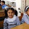 Escolares en centros del OOPS en Gaza