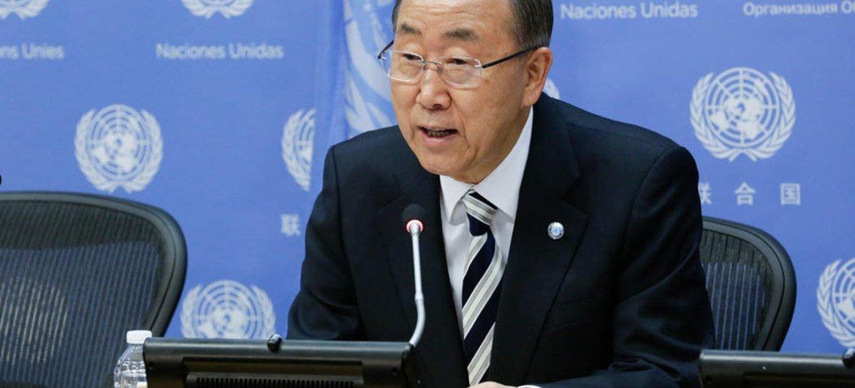 Secretary-General Ban Ki-moon addresses journalists at UN Headquarters.