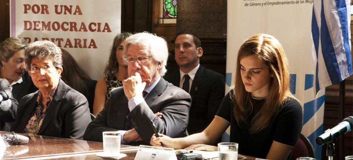 On her first country visit as UN Women's Goodwill Ambassador, British actor Emma Watson (right) visited Uruguay's Parliament where she met with Vice President Danilo Astori (2nd right).