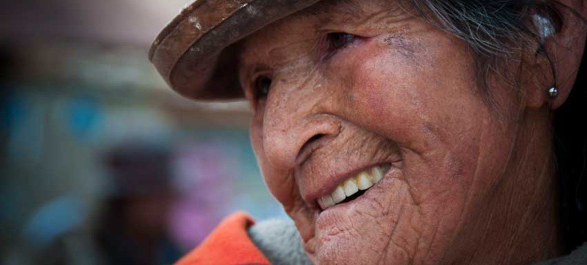 A woman of Quechua ancestry in the mining town iof Llallagua, in the Bolivian department of Potosí. After the collapse of tin prices in the early 1980's, mining towns have fallen into decay, their population has diminished and mostly the elderly remain. UNIC La Paz/Noelia Zelaya