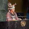 Tadodaho Sid Hill, chef de la nation Onondaga, prononce un discours à la Conférence mondiale des peuples autochtones.