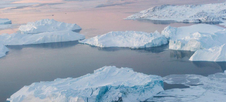El volumen del hielo disminuye en el Ártico. Foto: ONU/Mark Garten