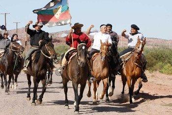 阿根廷的马普切人抗议石油公司的活动。
