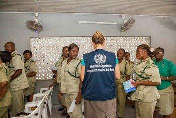 Tareas informativas de la OMS en Nigeria  Foto: OMA/A. Esiebo