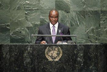 Foreign Minister Samura Kamara of Sierra Leone addresses the General Assembly.