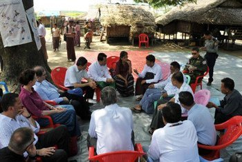 Together with Rakhine State Chief Minister U Maung Maung Ohn, UNDP Assistant Administrator and Director for the Regional Bureau for Asia and the Pacific Haoliang Xu, OCHA Director of Operations John Ging and team meet with Rakhine elders in Sittwe's Ohm Re Paw Village in September 2014.