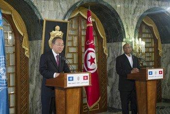 Le Secrétaire général, Ban Ki-moonle Président tunisien, Mohamed Moncef Marzouki, à Tunis.