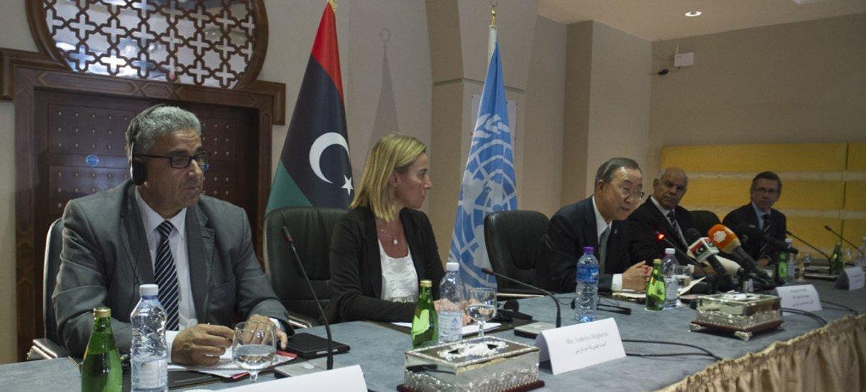 UN Secretary-General Ban Ki-moon (centre) speaks at a meeting with Libyan representatives in Tripoli. 11 October 2014