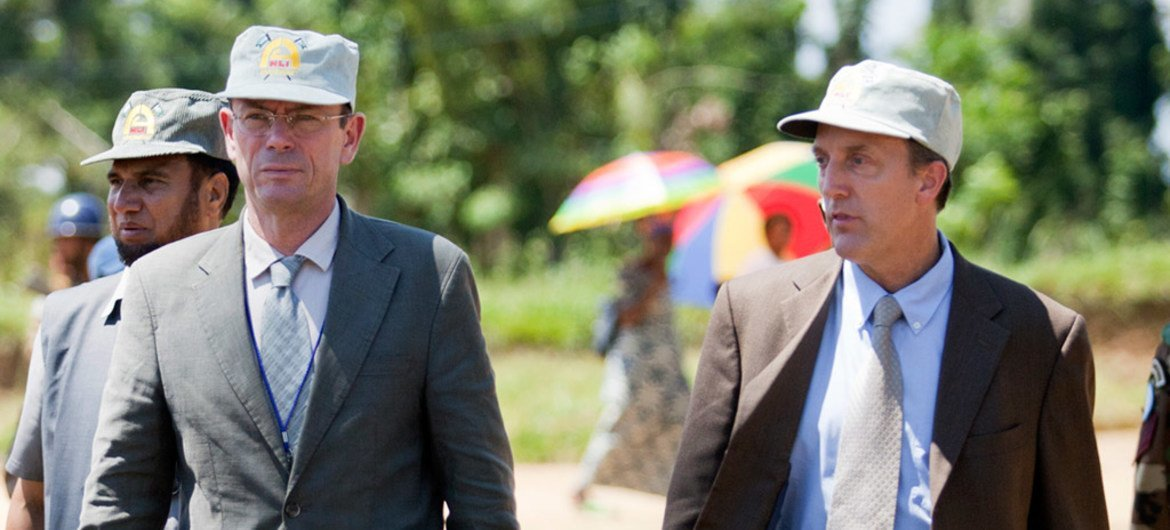 OHCHR Director in the Democratic Republic of the Congo (DRC) Scott Campbell (right), and Assistant Secretary-General for Human Rights Ivan Šimonović visit Shabunda, in the DRC's South Kivu province in May 2012.