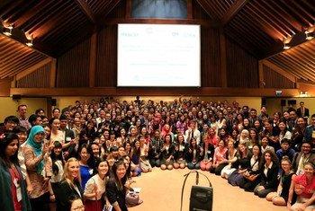 青年志愿者。联合国亚太经社会图片