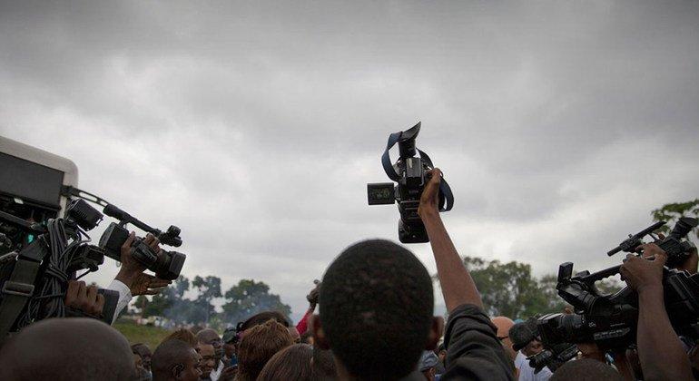 Представитель ООН призвал власти Косово обеспечить свободу СМИ в крае
