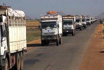 Un convoi humanitaire au Soudan du Sud. 10 travailleurs humanitaires ont été portés disparus près de la ville de Yei, dans la région d'Equatoria centrale.