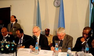 Special Representative Nicholas Kay (centre) addresses the High-Level Partnership Forum of the Somali Development and Reconstruction Facility Steering Committee in Mogadishu.