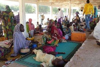 Des réfugiés nigérians dans le village camerounais de Mora.
