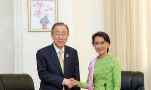Secretary-General Ban Ki-moon meeting with Daw Aung San Suu Kyi in Nay Pyi Taw, Myanmar in November 2014.