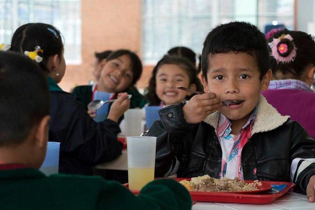 Les enfants et les jeunes doivent être au cœur de la transformation des systèmes alimentaires, soulignent l'UNICEF et l'OMS