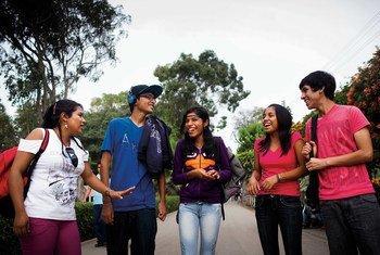 Des jeunes au Pérou. Photo FNUAP/Leslie Searles