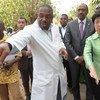 من الأرشيف، مارغريت تشان، المديرة العامة لمنظمة الصحة العالمية، في زيارة لمالي لمراقبة جهود مكافحة الايبولا. الصورة: UNAIDS