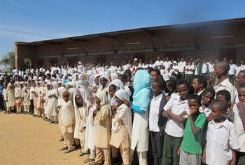 As part of its Darfur-wide campaign geared to prevent the recruitment of children as soldiers, the African Union-United Nations Mission in Darfur (UNAMID) reached out to Masteriha community, North Darfur, in an event attended by more than 1,000 men, women and school children.