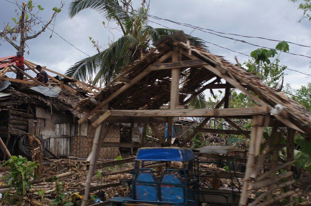 Kimbunga Hagupit kilipopiga Ufilipino tarehe 5-6 Desemba 2014, hali ilikuwa mbaya kwani nchi  hiyo bado ilikuwa haijasahau madhara ya kimbunga Haiyan kilichotokea Novemba 2013.