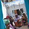 Группа африканских мигрантов в центре приема  на Мальте