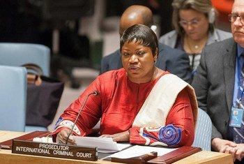 La Procureur de la CPI, Fatou Bensouda, devant le Conseil de sécurité. Photo : ONU / Yubi Hoffmann