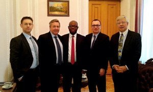 Under-Secretary-General for Political Affairs Jeffrey Feltman (2nd right) with UN delegation prior to meeting with Speaker Volodymyr Hroysman.