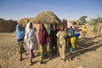 Des enfants nigérians réfugiés au Niger.