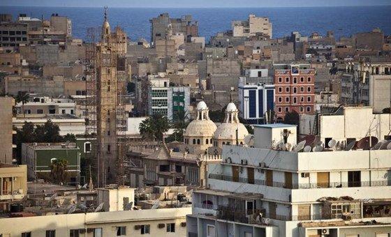 البلدة القديمة في مدينة بنغازي، ليبيا. المدينة كانت اليوم مسرحا لهجوم بسيارة مفخخة أسفر عن مقتل ثلاثة من موظفي الأمم المتحدة.