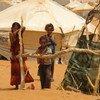在萨赫勒地区国家马里塔尼亚,遭受旱灾的居民在当地的一处难民营里。